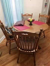 5 piece pedestal table & chairs