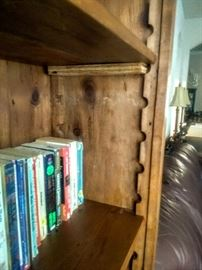 Adjustable shelf in Pine Bookcase.