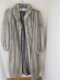 5 NICE FURS ARE AVAILABLE.
