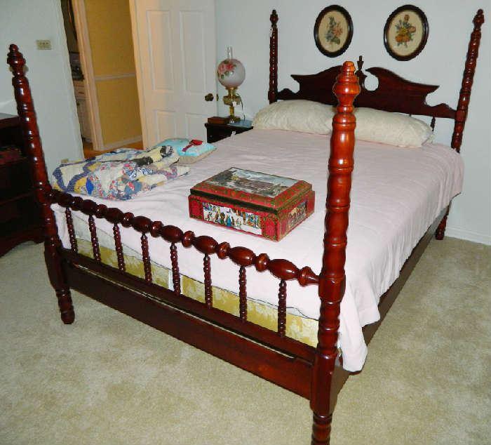 Lillian Russell QUEEN Bed