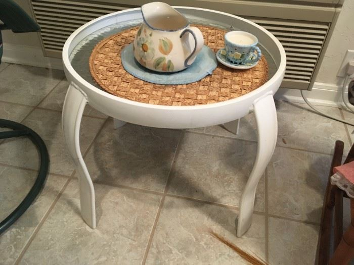 small round patio table