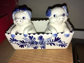 porcelain salt & pepper shakers pigs