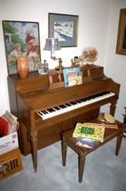 Cable piano with bench