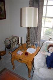 Oak end tables, lamps (2 of each)