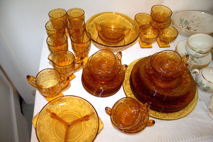 "Indiana Glass ""Daisy"" amber glassware"