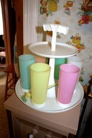 Vintage Tupperware drink set