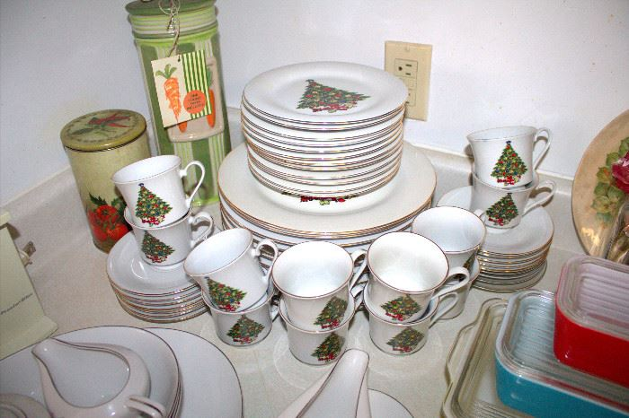 Sea Gull Christmas dishes