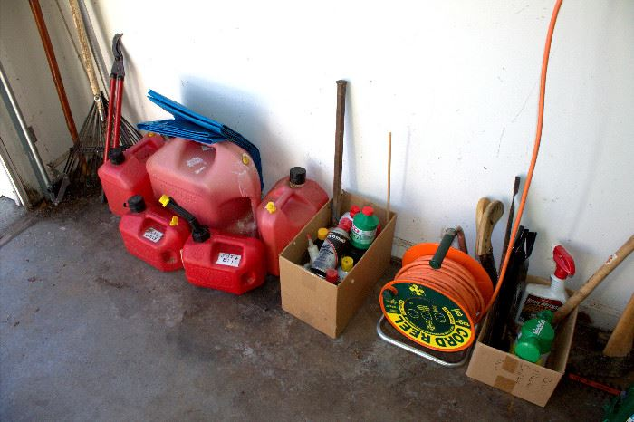 Gas cans and other garage items