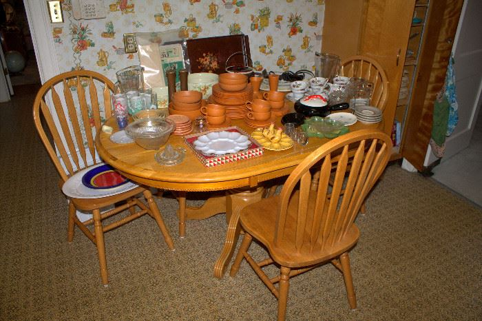 Oval kitchen table and 4 chairs