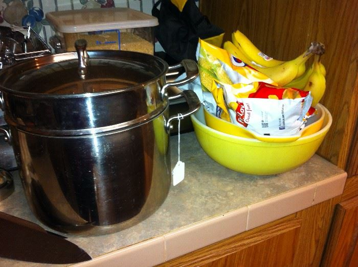 Pyrex bowls - bananas & Fritos are not for sale