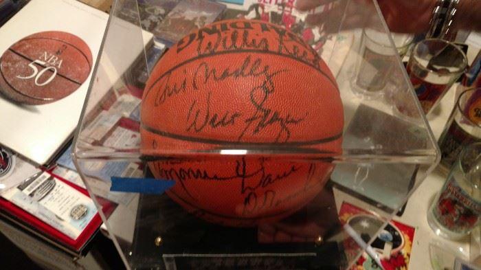 1973 NY Knicks World Champions signed ball
