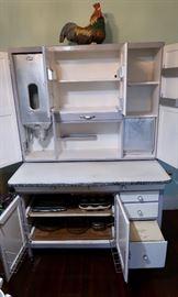 Has original flour and bread metal bins