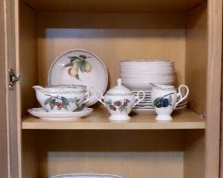 Noritake China Collection - Royal Orchard Pattern