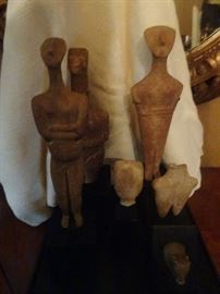 Collection of 6 Pre-Columbian statues, Closeup photos available on bottom of site.....