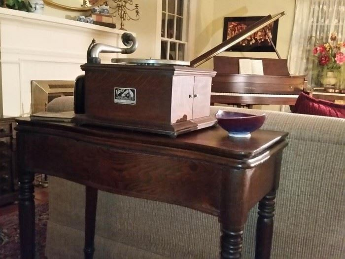 Antique Victor Victrola table top phonograph (works) on a vintage game/card table