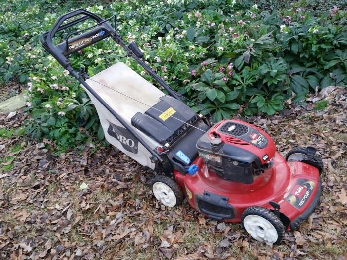 Toro 'Personal Pace' 190cc self propelled lawn mower