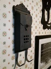 Cast iron mailbox
