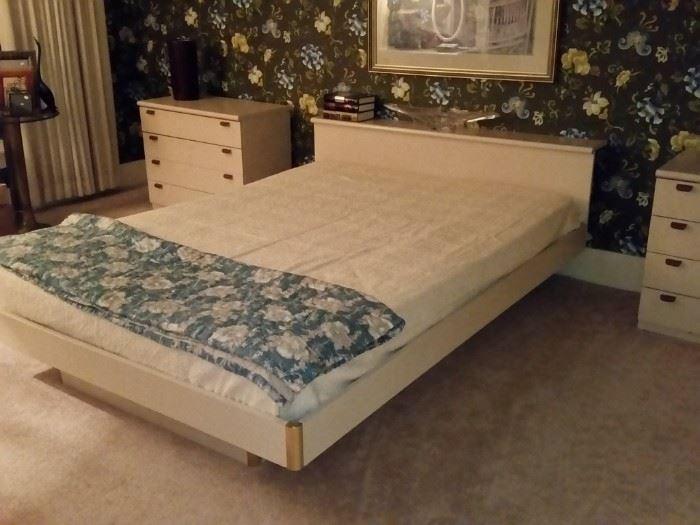 Six-piece bedroom set (queen-size bed, three 4-drawer chests, hamper,  and vanity/desk)