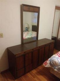 Vintage Retro Full BR Set Dresser with Mirror