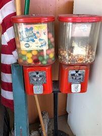Vintage gum all machine