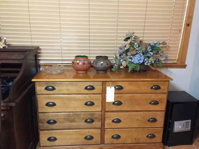 Maple dresser, just beautiful and priced to sell