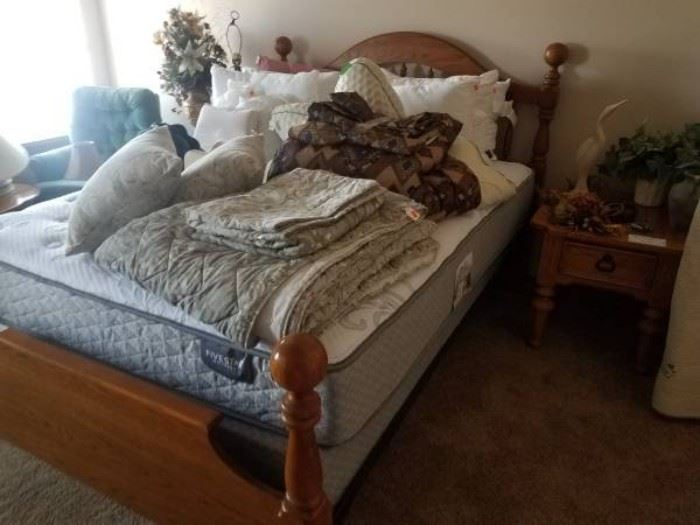 Very nice queen bed, mattress, and linens