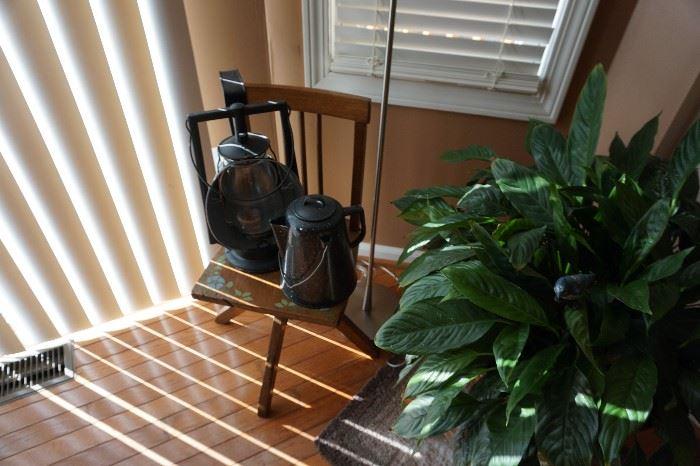 child's desk chair Oak, Railroad Gardian Dietz light, plant