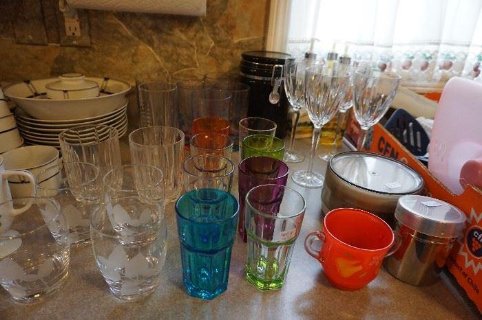 Colored glass glasses, crystal wine glasses, rocks glasses
