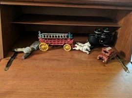 Cast iron toys. house of the hill