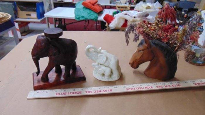 Elephants and Horse head vase vintage