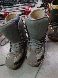 Burton mens size 8 snowboarding boots