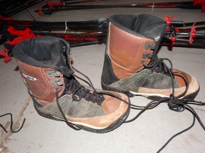 heelside size 10 snowboarding boots