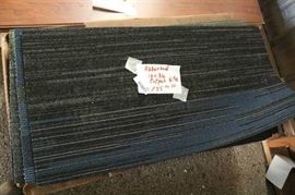 135 Sq Ft of 18 x 36 Assorted New Carpet Tile