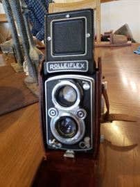 Rare ROLLEIFLEX camera in near mint condition.  It appears camera has been in case for most of its existence. Twin lenses, 4/135 & F = 135mm. Made in Braunschweig, Germany, Franke & Heidecke