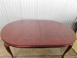 Drexel solid cherry dining room table with 2 leafs & custom pad