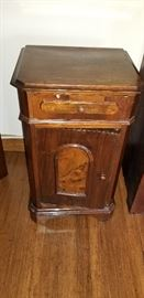 Nightstand https://ctbids.com/#!/description/share/104137