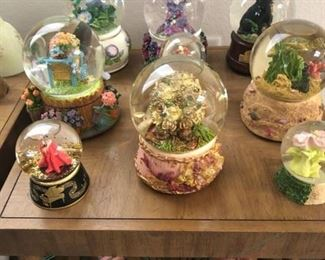 Snow Globes collection