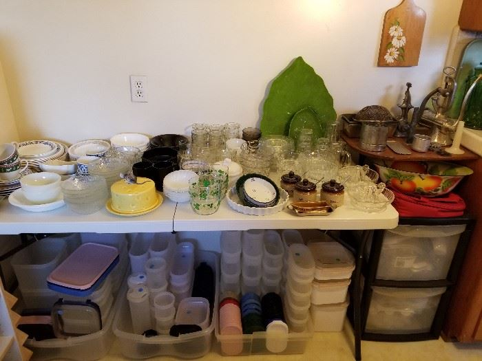 Tupperware Modular Mates, vintage Lefton cheese keeper/plate, miscellaneous dishes.