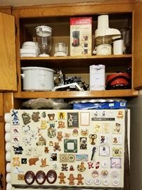 Small kitchen appliances, magnets.