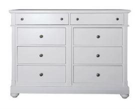 Baroncourt 8 Drawer Dresser 631br32 MSRP $799.99