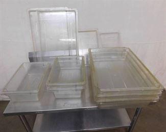 6 Plastic Pans 4 Lids