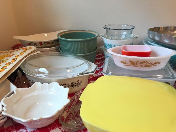 Pyrex...and vintage... and some we've never seen.... and we're over 50 - we've seen a lot!