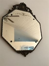 Anyone can look like Cinderella or Prince Charming in this mirror!!!!