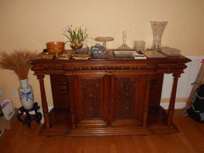 Antique English Sideboard/Buffet