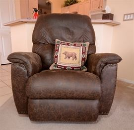 Fabulous brown leather distressed look recliner like new.