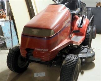 "Troy Built 16 Hydro, 16 HP Lawn Tractor With 42"" Deck, Briggs And Stratton Vanguard Engine"