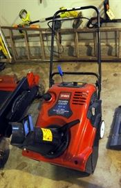 """Toro Power Clear Snow Blower Model 621R, 21"""" Blade With 1633 Cycle Engine With Recoil Start"""