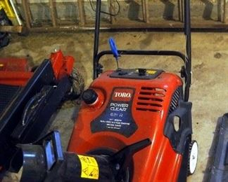 "Toro Power Clear Snow Blower Model 621R, 21"" Blade With 1633 Cycle Engine With Recoil Start"