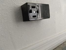 220 amp receptacle