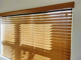 "2""faux wood blinds with valance in various sizes"